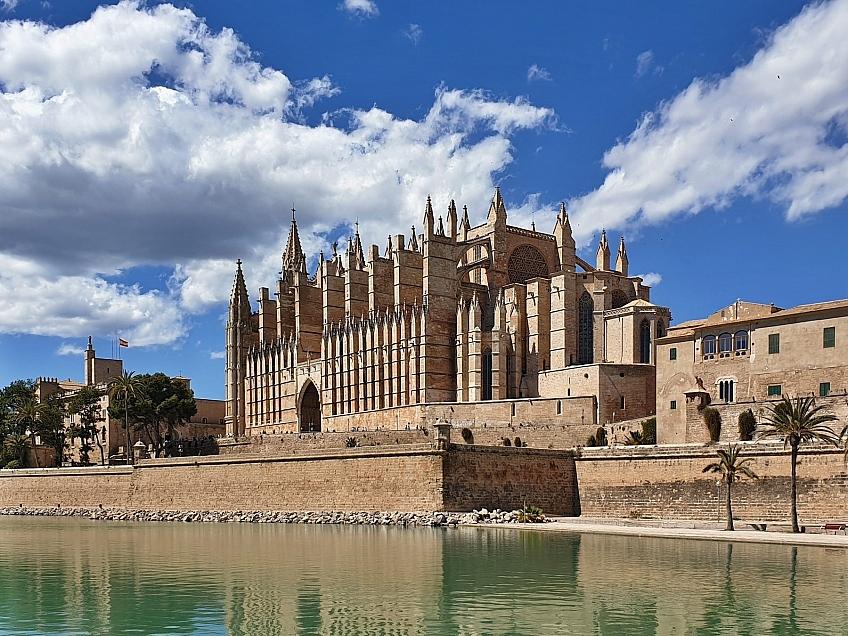 Katedrála La Seu v Palma de Mallorca ostrov Mallorka Španělsko